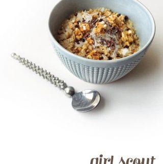 Caramel Delight Oatmeal in a blue bowl