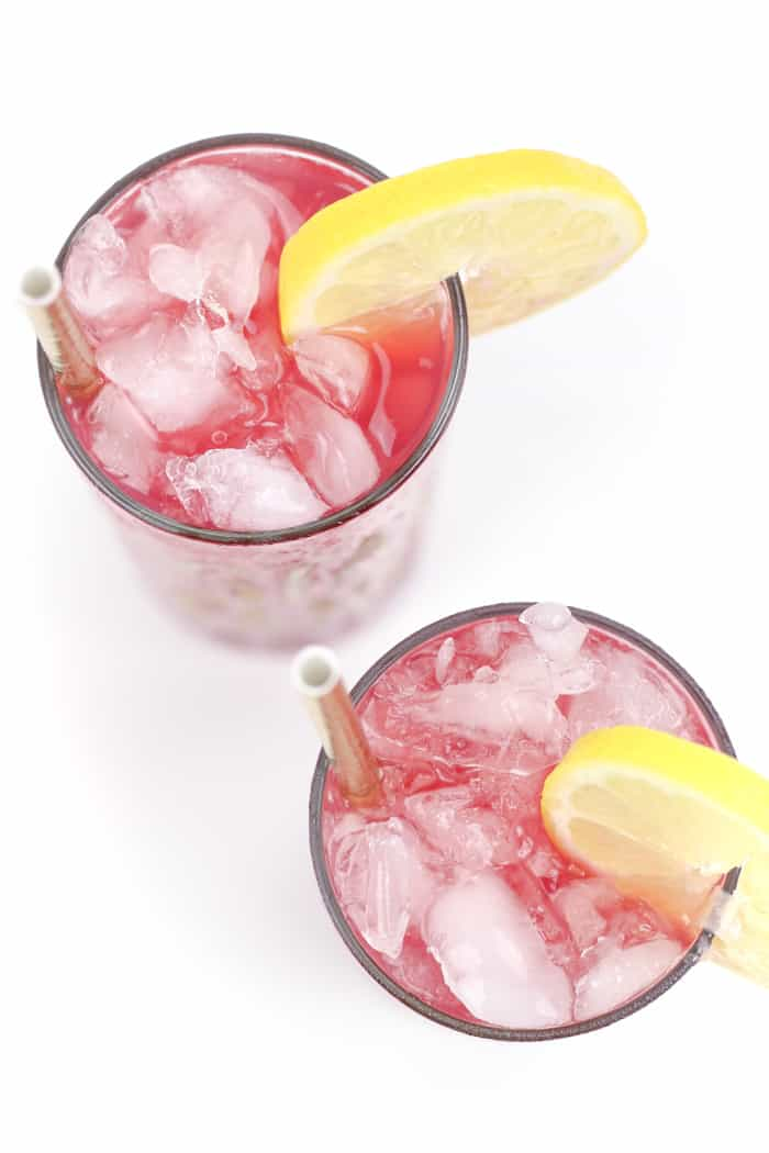 A drink for the races, the Belmont Jewel is the #1 drink for toasting the Belmont Stakes. Bourbon, lemonade and pomegranate juice served over crushed ice make for a fruity punch that's delicious all summer long.(via feastandwest.com)