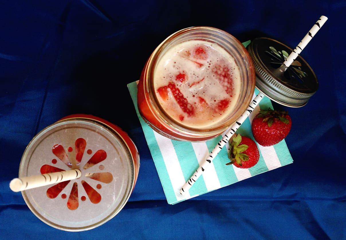 Non-alcoholic Strawberry Lemonade Shandy // Feast + West