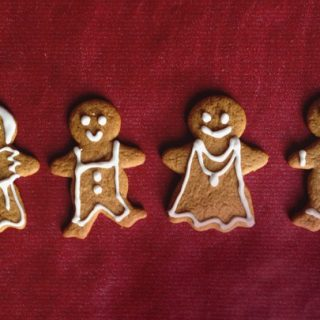 Baking for special diets this holiday? Vegan, Gluten-Free Gingerbread Men are the best way to cater to friends and family who have to watch what they eat. Delight them with a batch of these Christmas cookies that taste exactly like the real thing. (via feastandwest.com)