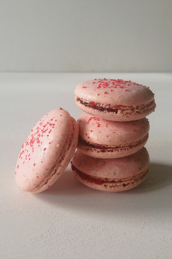 strawberry-shortcake-macarons-5