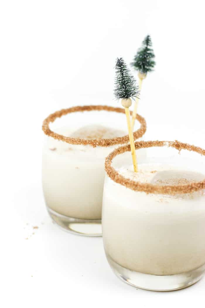 Cold, creamy and full of coffee and cinnamon flavor, the Cinnamon White Russian cocktail recipe is the holiday nightcap you need this winter. This cocktail uses a homemade cinnamon syrup that's delicious in coffee, too!