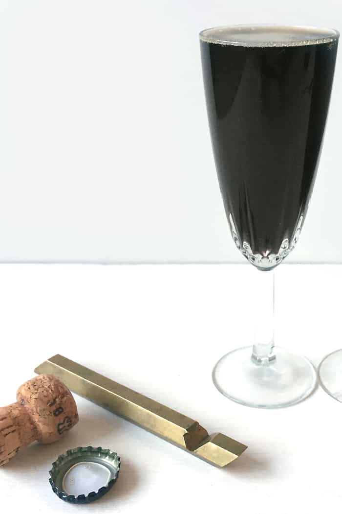 Celebrate St. Patrick's Day with a Black Velvet cocktail! (via feastandwest.com)
