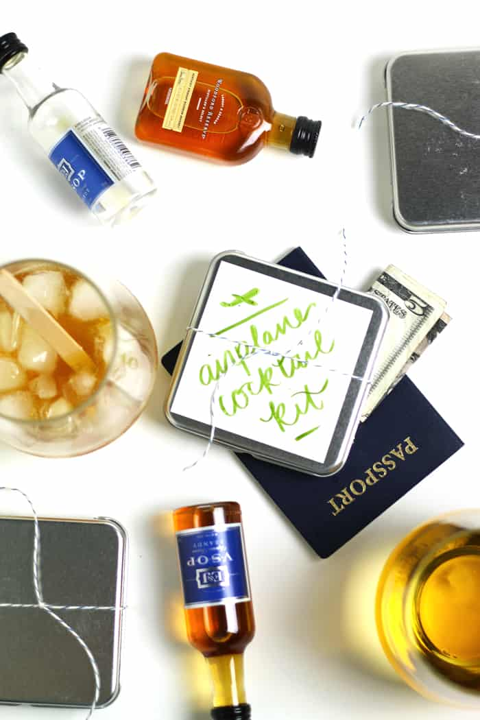 DIY Airplane Cocktail Kits make a lovely holiday gift for your jet-setting friends. Learn how to make each versatile kit, which can make two kinds of cocktails — an easy Old-Fashioned or a fancy Champagne Cocktail. These travel cocktail boxes are perfect for people who travel often! (via feastandwest.com)
