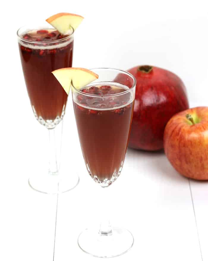 Because not all toasts have to include alcohol, the outrageously delicious Ginger Apple Pomegranate Sparkler Mocktail is here! Pair a homemade ginger shrub with Martinelli's Sparkling Apple-Pomegranate for a glitzy beverage that works for both brunch and New Year's Eve. (via feastandwest.com)