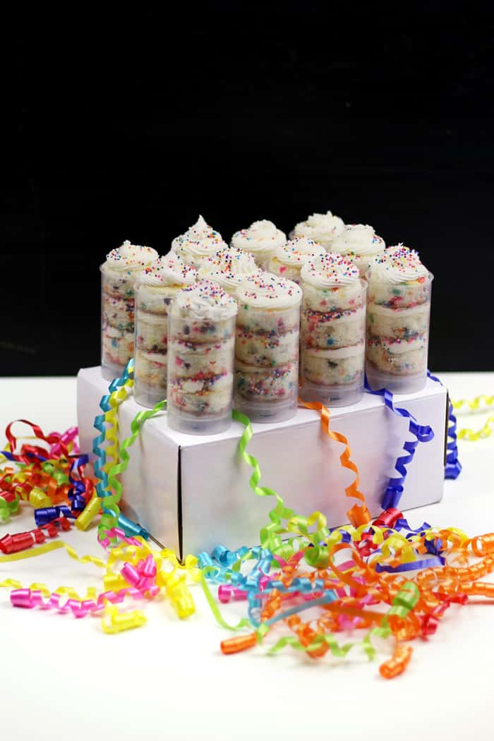 Confetti Cake Push Pops are guaranteed to bring back childhood memories. These fun, colorfulandinteractive vanilla cupcakes will bring a smile to anyone celebrating a birthday, no matter the age.The perfect birthday cake party treat for any 1990s kid or 'funfetti' fan! (via feastandwest.com)