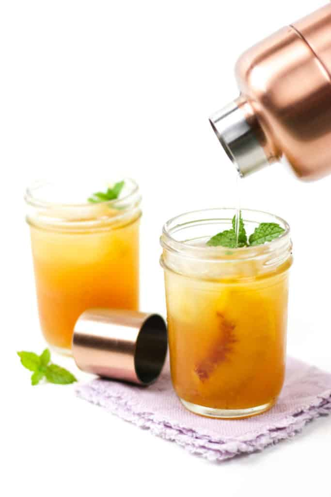 Savor the end of summer with a Ginger Peach Bourbon Smash. Muddle together an easy ginger simple syrup, juicy peaches, warm citrus and oaky bourbon, and toast to the last days of warm weather.(via feastandwest.com)
