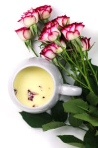 Make Valentine's Day a little sweeter with a cozy cup of Rose White Hot Chocolate. Sharing a batch of this creamy, floral nectar is just as romantic as giving (or receiving) chocolates and a dozen roses!(via feastandwest.com)