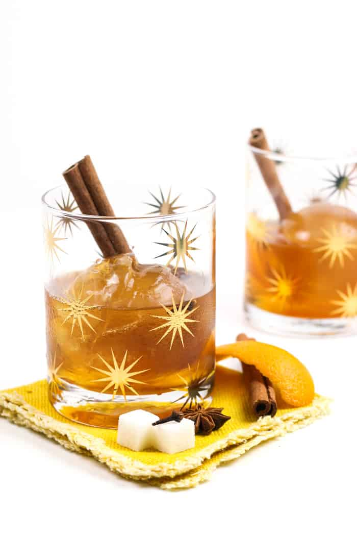 A Chai Old Fashioned Cocktail is the fall and winter nightcap of your dreams. Made with chai tea ice cubes, the chai spices infuse slowly as the ice melts into the whiskey, letting more flavor seep in with every sip. (via feastandwest.com)