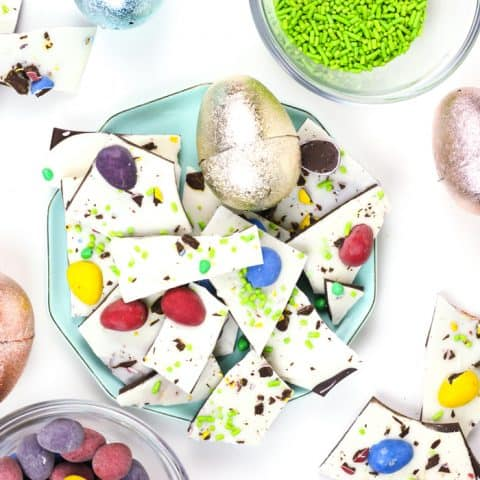 Make a colorful batch of Easter Candy White Chocolate Bark, the ideal Easter basket stuffer. Top it with all your favorite candies, then share it with friends or keep it all to yourself! (via feastandwest.com)