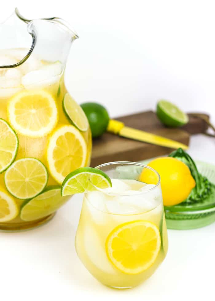 Margarita Sangria combines all the refreshing flavor of your favorite tequila drink with your favorite fruity wine drink. This sangria uses white wine, tequila and citrus to bring you a margarita flavor that can easily serve a crowd. (via feastandwest.com)