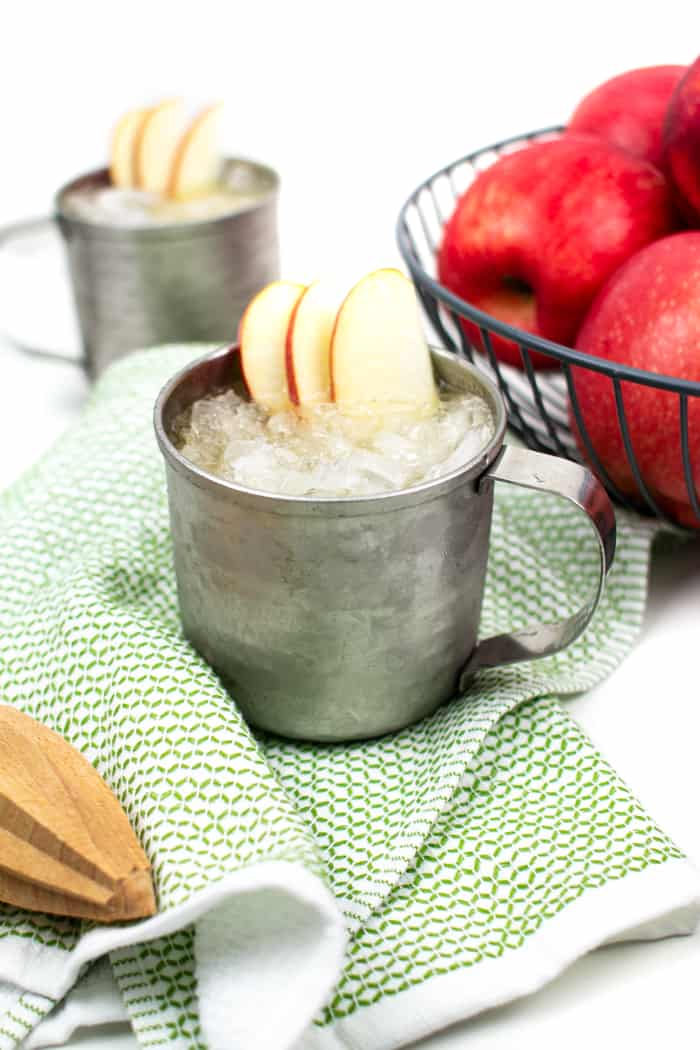 Say cheers to the holidays with an Apple Cider Moscow Mule! This light yet festive cocktail is a treat for Thanksgiving and Christmas entertaining, but just as nice for enjoying at home on an autumn night! (via Feast + West)